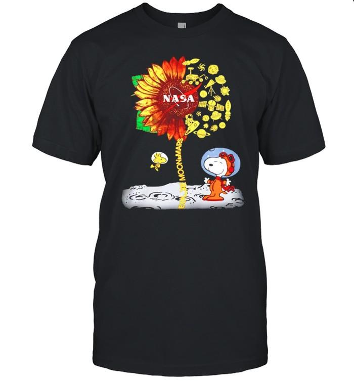 Snoopy Nasa sunflower explore moon to mars shirt Classic Men's T-shirt