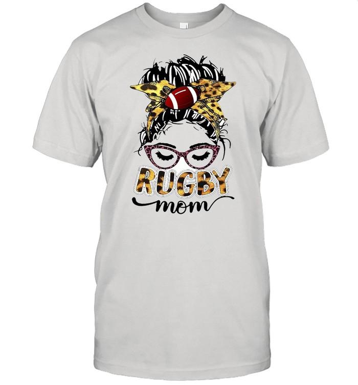 Girl Wearing Bandana Rugby Mom T-shirt Classic Men's T-shirt