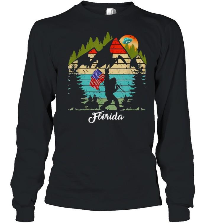 Biscayne Florida Bigfoot Hiking Sunset Vintage T- Long Sleeved T-shirt