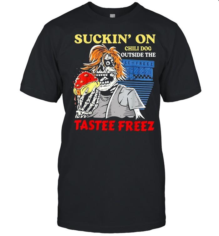 Sucking' on chili dog outsides the tastee freez shirt Classic Men's T-shirt