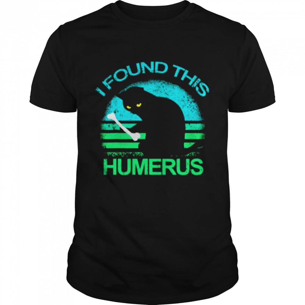 Black Cat I found this humerus vintage shirt Classic Men's T-shirt