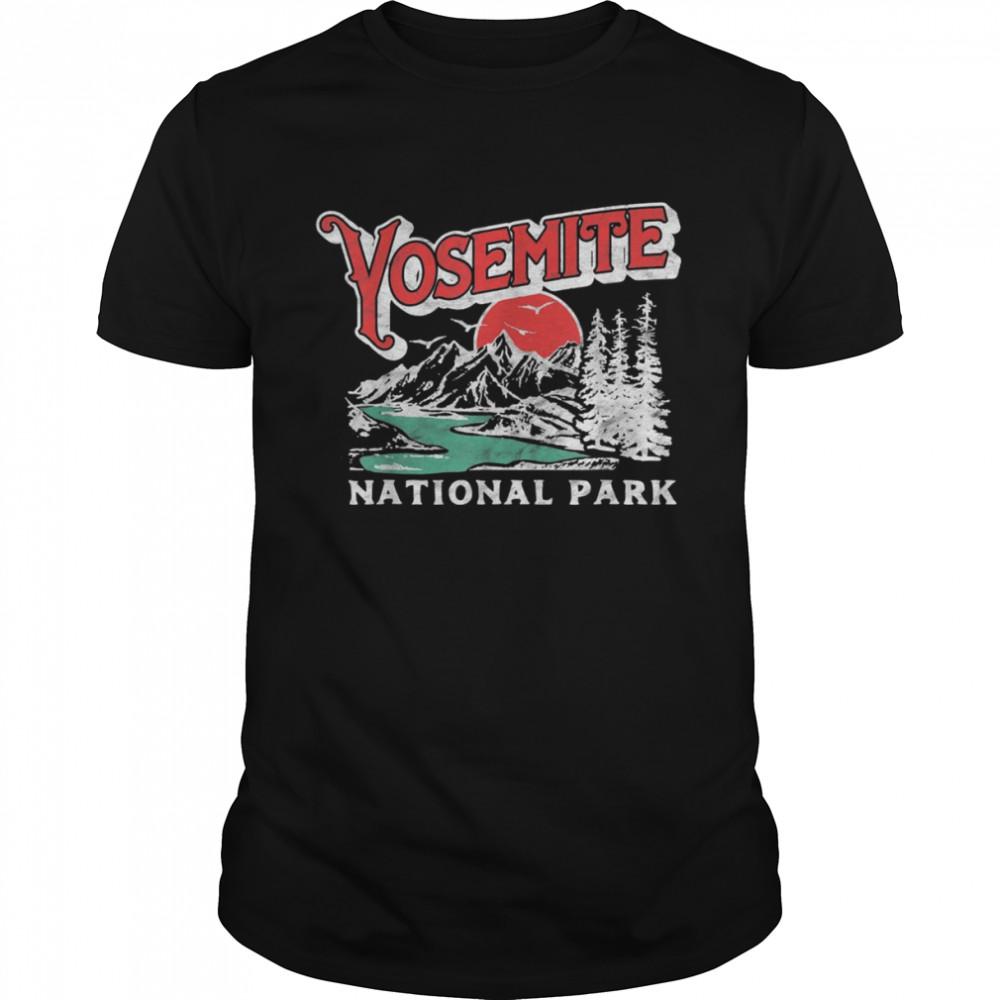 Yosemite National Park Retro 80's Mountains Distressed  Classic Men's T-shirt